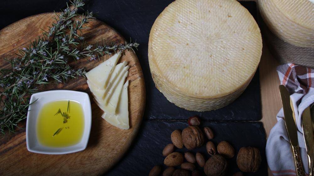 comprar queso de oveja curado en aceite de oliva